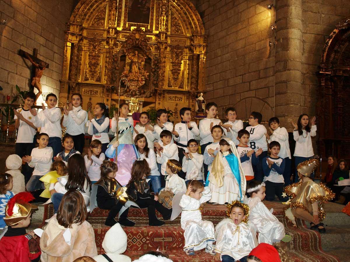 Colegio Santísima Trinidad (El Tiemblo). Cuarto de Primaria, en el Festival de Navidad