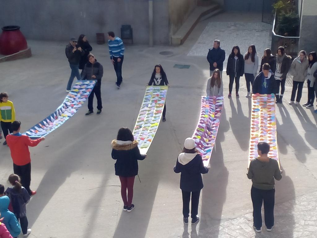 Colegio Santísima Trinidad El Tiemblo Día de la Paz 03