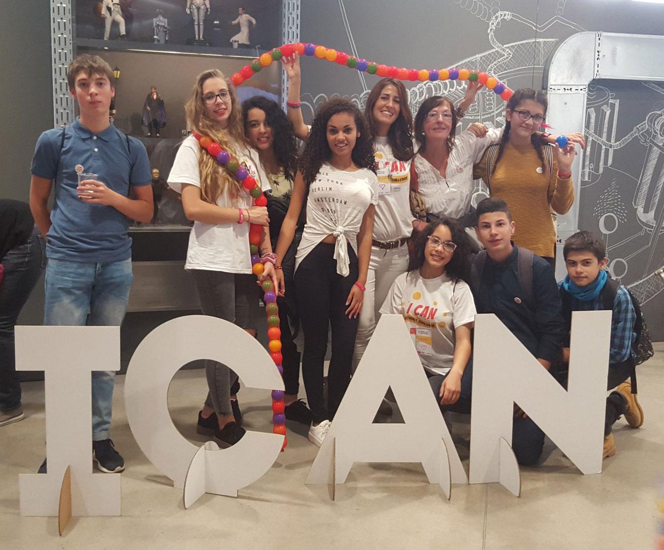 Alumnos del Santa Maria Micaela (Valladolid) en Design for Change 2016