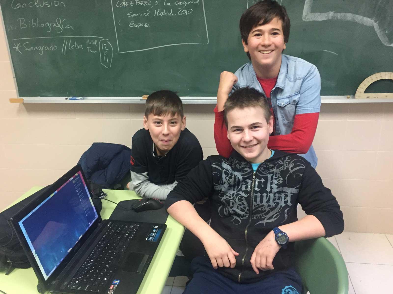 Algunos de los alumnos que participan en esta nueva iniciativa del Colegio La Asunción (León)