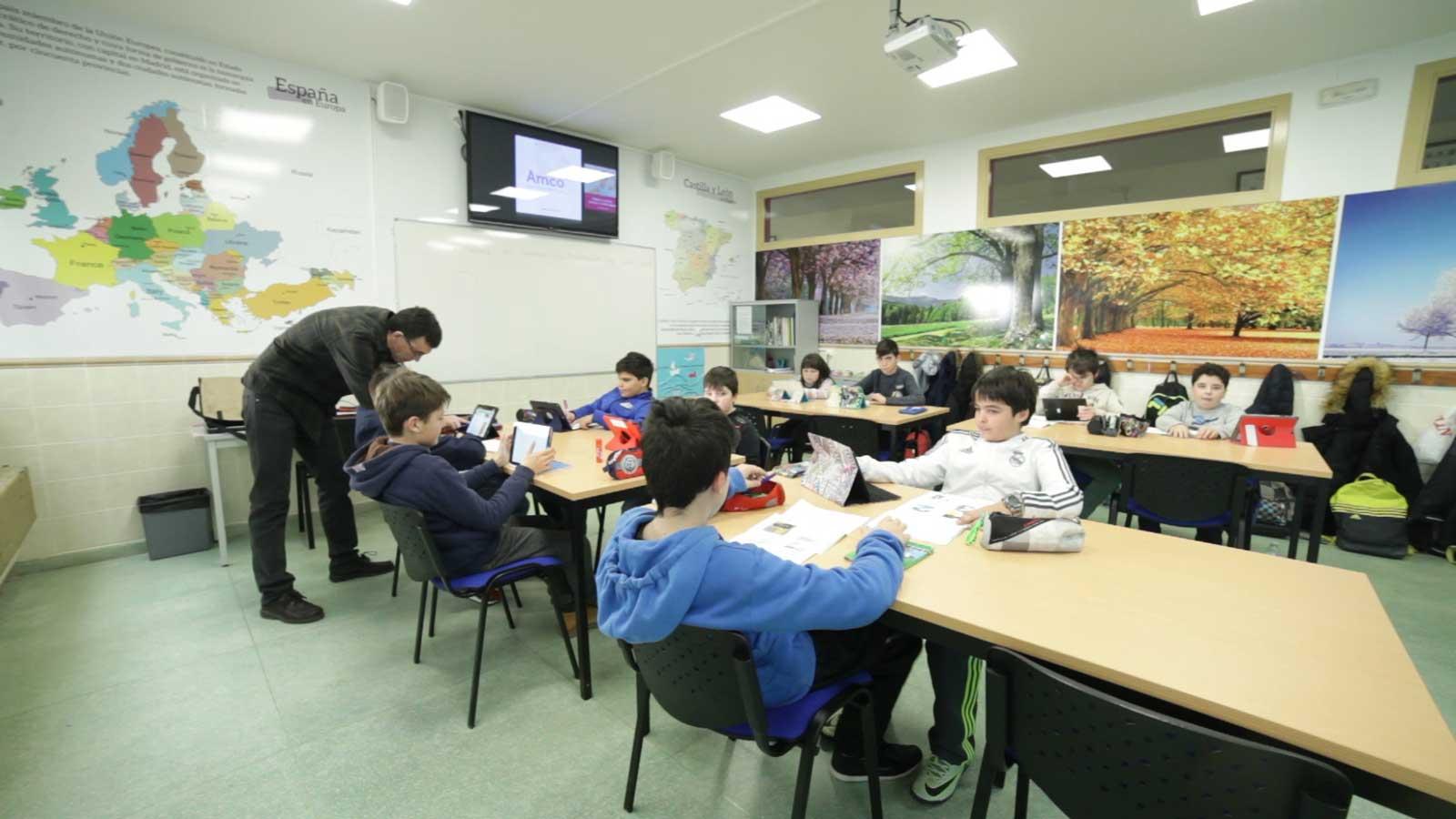 Aula-Laboratorio-de-Aprendizaje-Colegio-San-Gabriel-03