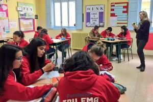 Alumnos del Colegio Sagrado Corazón (Soria) entrenando las habilidades de pensamiento con Rosa López.