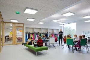 Saunalahti school en Espoo, Finlandia. Foto de Andreas Meichsner para Verstas architects