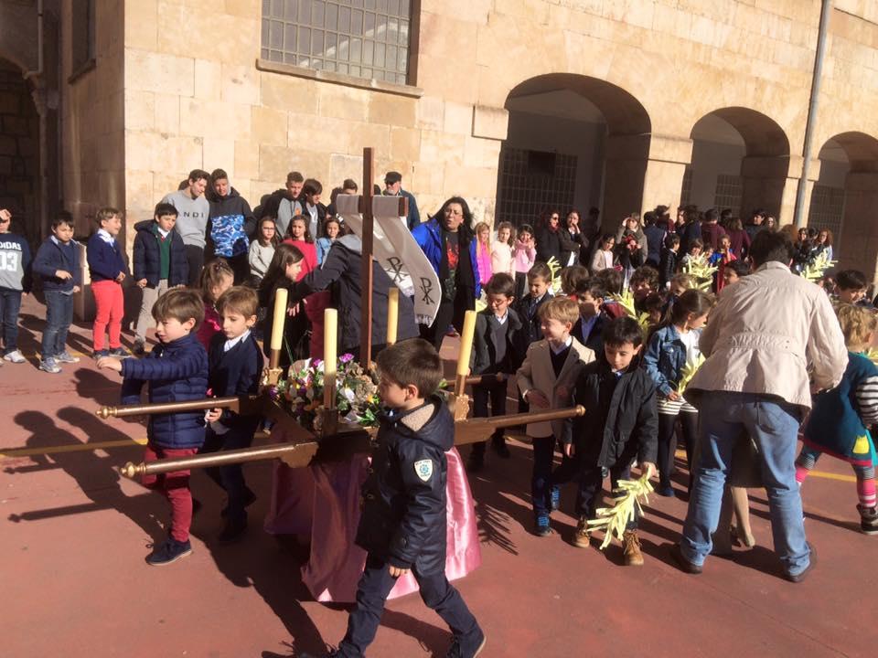 Procesion Salesianos Maria Auxiliadora Salamanca