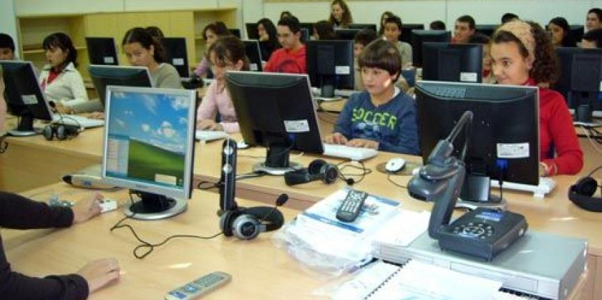 El Colegio Sagrado Corazón Hijas de Jesús de Salamanca recibe el premio nacional de comunicación de la Agencia de Protección de Datos