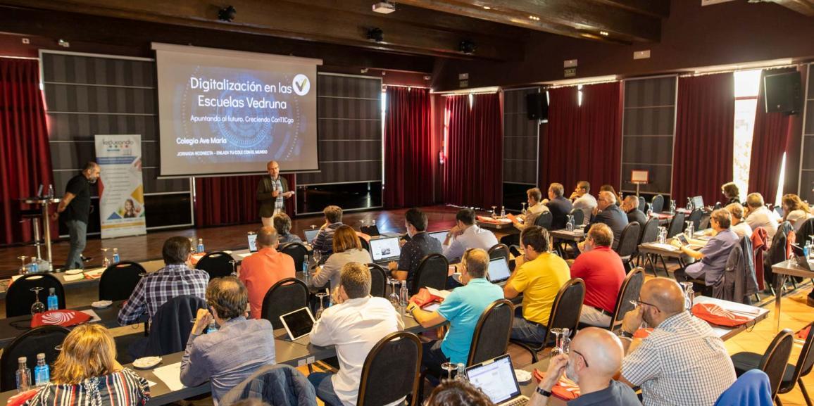 Jornada #Conecta: Educar con ayuda de la tecnología