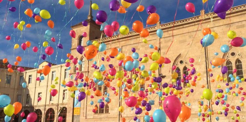 El Bicentenario Don Bosco arranca con suelta de globos