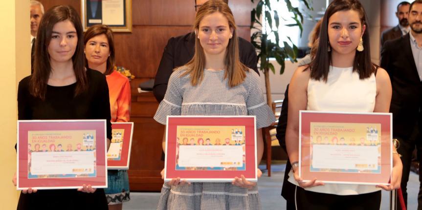 El Ministerio de Defensa premia la carta de tres escolares de Escuelas Católicas Castilla y León