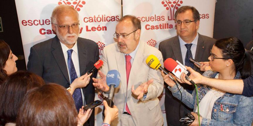 El Consejero de Educación, Fernando Rey, alaba la aportación de la escuela concertada
