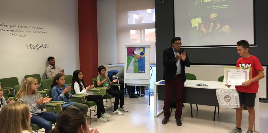Premio Literario 'La Brújula' para David Zamora, alumno del Colegio La Salle (Burgos)