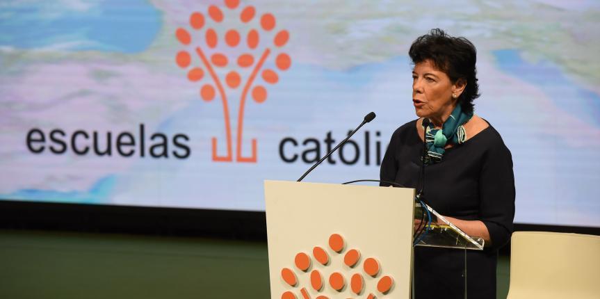 Congreso de Escuelas Católicas. La Ministra de Educación mantiene el compromiso de tramitar una nueva ley educativa