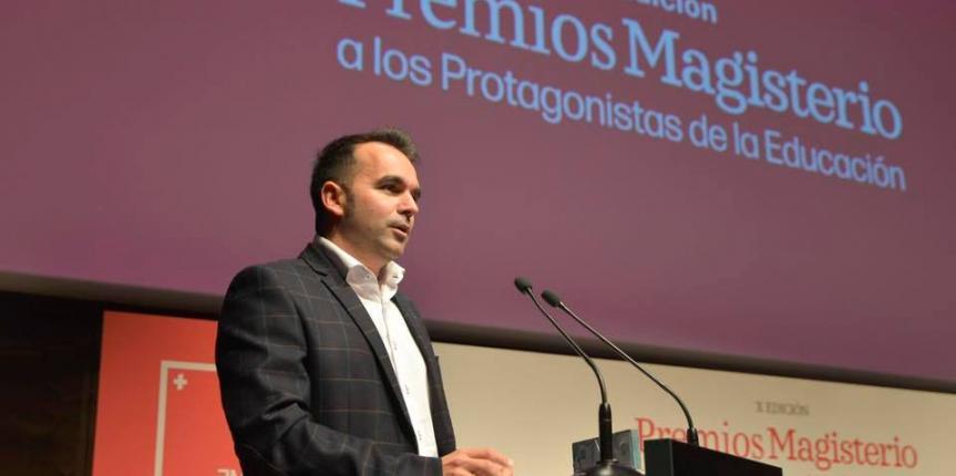 Manu Velasco, Premio Magisterio