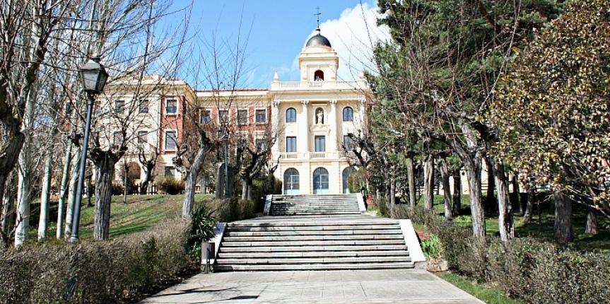 El Colegio La Asunción de León recibe la solicitud de 236 familias