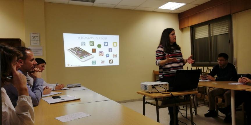 FECAMPA y 'La Gran Tribu Educativa' con el Programa Ariadna sobre hábitos saludables en el uso de las nuevas tecnologías