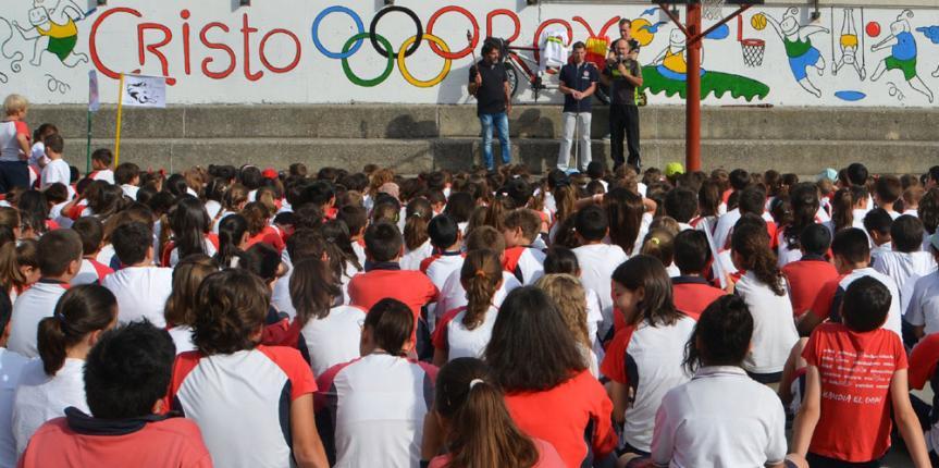 Dos campeones del mundo inauguran las olimpiadas de Cristo Rey (Valladolid)