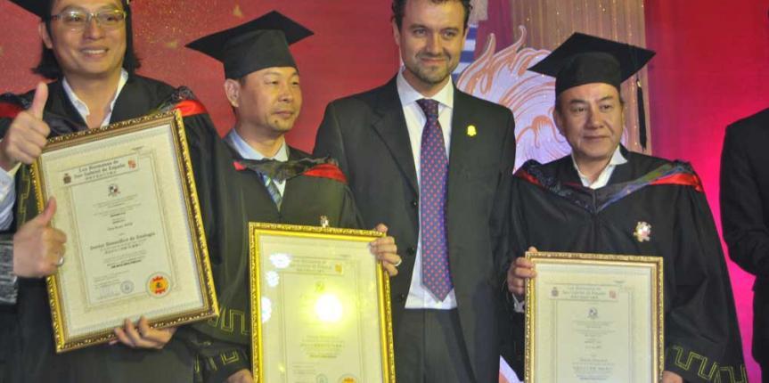 El Colegio San Gabriel reúne a 500 empresarios chinos en su Centro de Negocios Hispano-Chino de Guanghzou