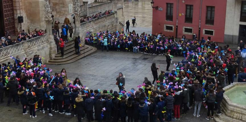 El Colegio La Visitación de Nuestra Señora 'Saldaña' (Burgos) celebra el Día de la Paz con un multitudinario acto