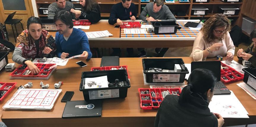 Profesores de las escuelas Trilema se forman en robótica y programación en el Colegio Sagrado Corazón de Soria