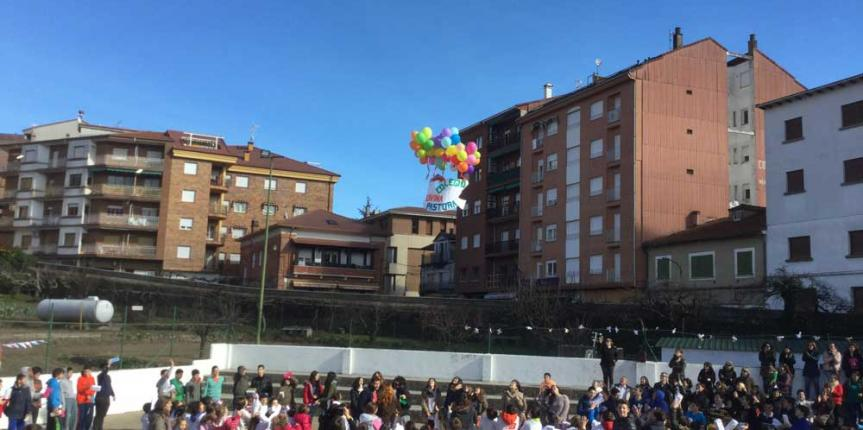 El Divina Pastora (Arenas de San Pedro) rinde homenaje a Gandhi y a sus antiguos alumnos
