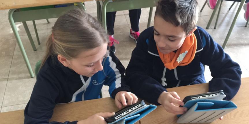 El Colegio Paula Montal (Astorga) pone en marcha un proyecto con tablets junto a la Universidad de León
