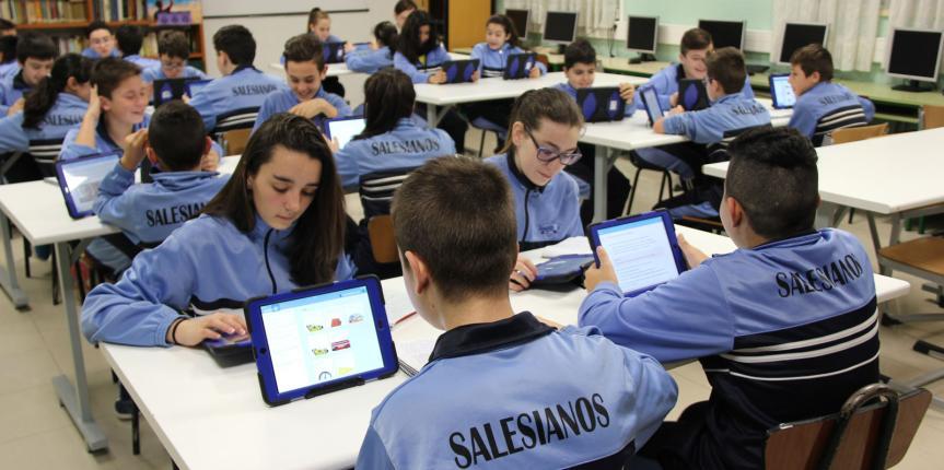Colegio Salesiano San José (Salamanca): Adiós a los libros en papel con las nuevas tecnologías